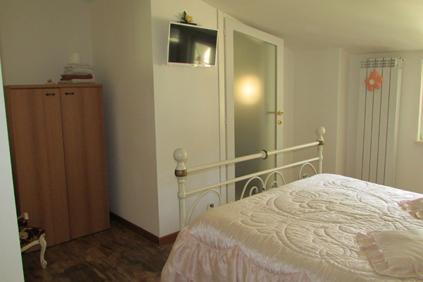 camera ilenia con bagno interno